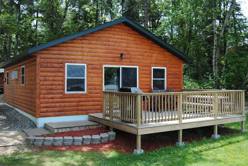 Cedar pine cabin