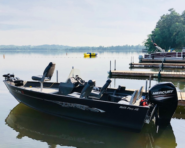 Motorboat with fishing seat